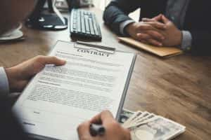 不動産投資家の大半が「融資厳しくなった」と回答。厳しい投資環境下でも融資を引くための5つのポイント