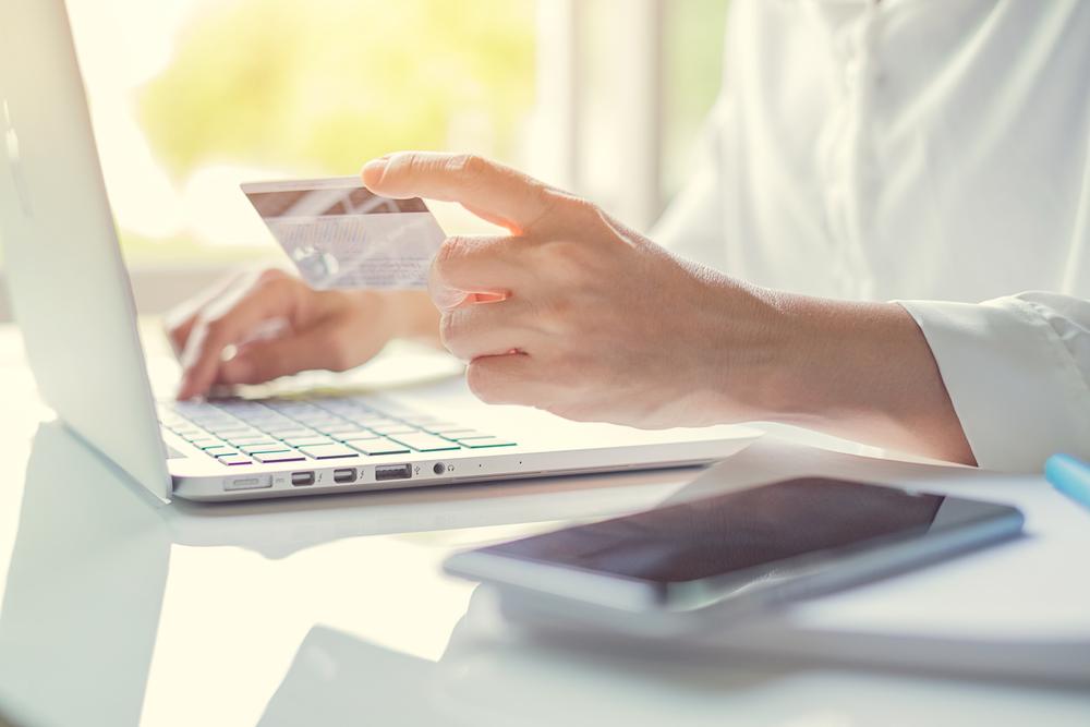 Suica一体型クレジットカードのおすすめは?特典、年会費も | クレジットカードコラム | 金融・投資メディアHEDGE GUIDE
